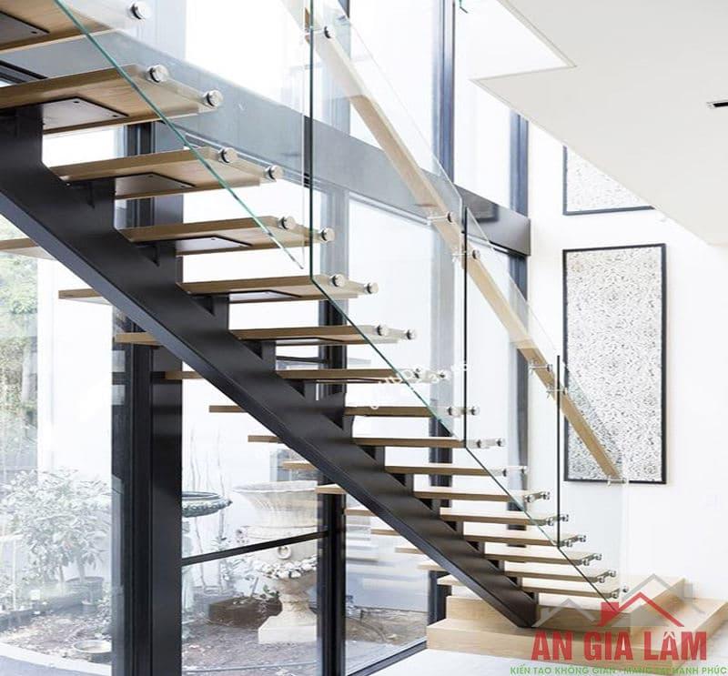 mẫu cầu thang sắt kính cường lực